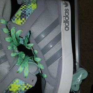 Ladies addidas sneakers